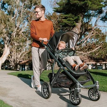 Why Use a Bassinet Stroller